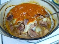 This mild beef curry with an interesting blend of flavors is easy to make. Curries are popular in South Africa, and there are several to choose from in our book! Thai Curry Soup, Beef Curry, Beef Recipes, Soup Recipes, Stewing Steak, Vegetable Curry, Curry Powder, Casserole Dishes, Chutney