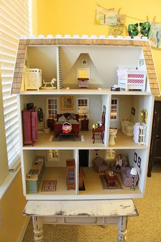 Layout of rooms in Vermont House. It's A Wannabe Decorator's Life: Pretty Little Dollhouse