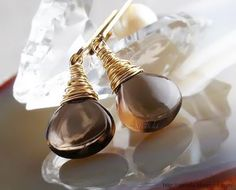 Arctida's creations: Laura - Smoky Quartz minimalist earrings in yellow 14K gold filled. Handmade wire wrapped jewellery by Arctida