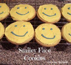 Smiley Face Sugar Cookies from http://growingupgabel.com @thegabels #recipe