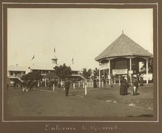 Main entrance to the Exhibition ground, Brisbane, 1912 - Entrance to the showgrounds at the Brisbane RNA [Royal National Association] Exhibition grounds. Brisbane Gold Coast, Brisbane City, Water Safety, Main Entrance, Queensland Australia, Back In Time, The Good Old Days, Capital City, Old Photos
