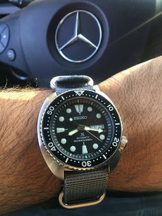 [Seiko] My first Seiko Skx, Seiko Watches, Best Seiko Watch, Cool Watches, Watches For Men, Seiko Diver, Automatic Watch, Vintage Watches, Luxury Watches