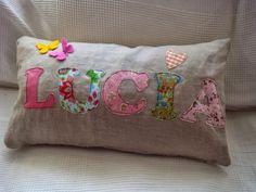Applique Pillows, Sewing Pillows, Diy Pillows, Decorative Pillows, Throw Pillows, Easy Sewing Projects, Sewing Crafts, Sewing To Sell, Sewing Appliques