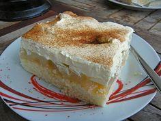 Balkánský jablečný koláč – dort na plechu s jemným piškotem recept – receptjidlo Apple Pie Recipes, Easy Cake Recipes, Sweet Recipes, Dessert Recipes, Easy Vanilla Cake Recipe, Chocolate Cake Recipe Easy, Tasty Recipe, Cooking Cake, Pie Dessert