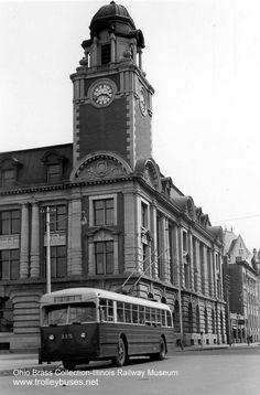 First Bus, Transport Museum, Railway Museum, Buses, Edm, Illinois, Transportation, Canada, Building