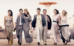 """While this isn't entirely """"beautiful photography"""", this is certainly a wonderful idea for a wedding photo shoot, or a group photo shoot!  GOSSIP GIRL"""