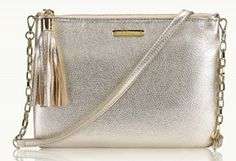 Love this cute crossbody with removable chain