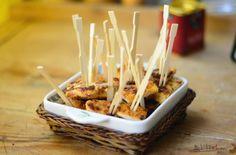 snitel picant la cuptor Romanian Food, Caramel Apples, Appetizers, Eat, Cooking, Desserts, Food Ideas, Foods, Drink