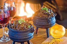 Potjie of Oxtail - Cheryl Koenig - African Food Wedding Canapes, Creamy Mashed Potatoes, Oxtail, South African Recipes, Bread Cake, 200 Calories, Something Sweet, Food Presentation, Creative Food