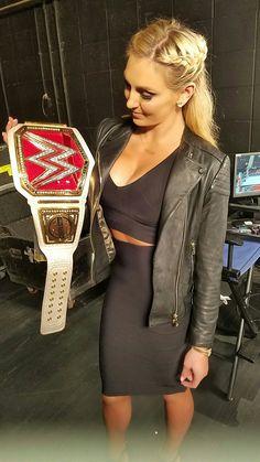 Charlotte Flair WOOOO 👑 Wrestling Divas, Women's Wrestling, Female Wrestlers, Wwe Wrestlers, Wwe Raw Women, Wwe Nxt Divas, Charlotte Flair Wwe, Stephanie Mcmahon, Wwe Girls