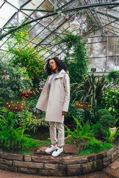 Michelle Bobb-Parris wearing the Stutterheim Mosebacke raincoat photographed by Cody M. Turner #springstyle #stutterheim http://whoisbobbparris.com/style-stutterheim-raincoat/