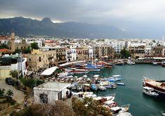 Кириния город с населением 62 тысячи человек, расположенный на северном побережье Кипра.