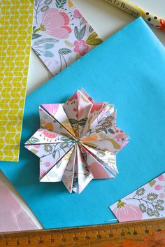 DIY: folding a star, with paper from the Flow Book for Paper Lovers