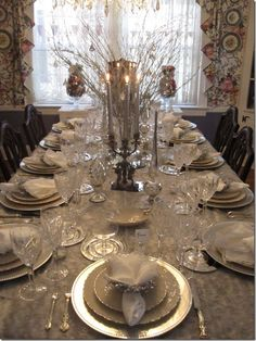 Beautiful table with the right combination of sophistication and bling.