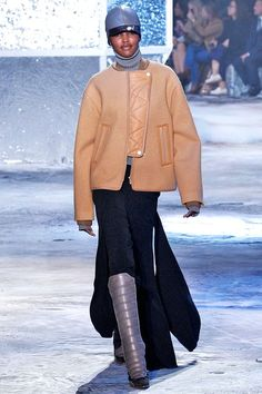 You'll Want Everything From H&M's New Fall Line #refinery29  http://www.refinery29.com/2015/03/83321/h-m-paris-fashion-week-show-review-fall-2015#slide-13  ...