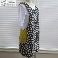 Crossback Reversible Apron sewing pattern by Indygo Junction – IndygoJunction Sewing Hacks, Sewing Tutorials, Sewing Tips, Sewing Crafts, Child Apron Pattern, Sewing Aprons, Leftover Fabric, Kids Apron, Love Sewing