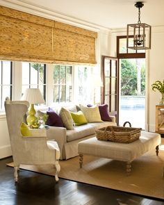 great sitting area off breakfast room.  linen and casual!