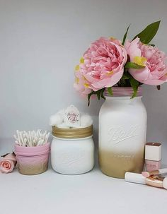 Pretty, Shabby Chic gold, white, pink, Ombre Vase/Make up brush holder/Wedding center piece hand painted Large 945ml Ball Mason jar Size choices Small quilted 135ml - Ideal for cotton buds,cotton balls/pads,loose change, jewellery, rubber bands, buttons, hair grips Medium wide