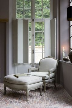 brick floor, shutters, beautiful furniture - via Belgian Pearls Style At Home, Belgian Pearls, Bergere Chair, Belgian Style, French Style, Brick Flooring, French Chairs, Farmhouse Design, Home Fashion