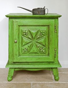 Antibes Green  This comes to our palette from two sources - the neo-classical palaces, such as the Fontainebleau Palace and in Schloss Charlottenburg in Potsdam, and from the villages around Provence where countless artists have been inspired by the colours of painted furniture, shutters and doors .