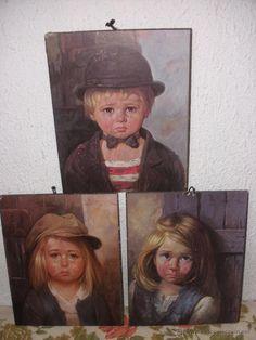 Trio de cudros con preciosos niños llorándo calificados de cuadros malditos del famoso Bragolin ( vendidos , sold)