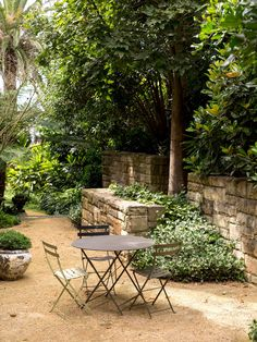 Gorgeous Bistro Setting #thedesignfiles #daniel_shipp  http://www.jardin.co.nz/outdoor-furniture/bistro/