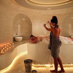 Home Spa Room, Spa Room Decor, Spa Rooms, Spa Interior Design, Spa Design, Spa Treatment Room, Spa Treatments, Moroccan Hammam, Marrakesh