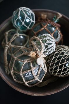 Diagnoosi:sisustusmania: Pölypalloista joulukoristeiksi