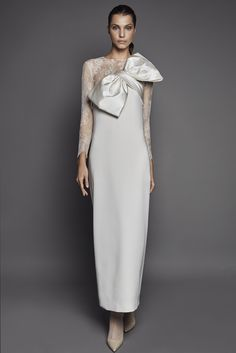 Online shop with bridal gowns, from THE SKIN CO. Iconic Dresses, Elegant Dresses, Bridal Gowns, Wedding Gowns, Gown Suit, Strapless Gown, Chic Dress, Mode Outfits, African Fashion