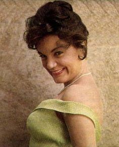 Not only is Connie Francis a highly acclaimed singer, she is also a visual treat. Here are a collection of photos of the world's most beautiful singer. Also included are photos of some of the people that have been an important part of her career. Connie Stevens, Connie Francis, American Bandstand, Country Singers, Female Singers, Choir, Wok, Classic Hollywood, Trivia