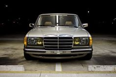Mercedes-Benz W123 clean