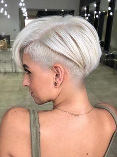 Undercut Crop Cut Blonde Haircuts, Thin Hair Haircuts, Short Pixie Haircuts, Cool Haircuts, Pixie Hairstyles, Gray Hairstyles, Beautiful Hairstyles, Medium Hairstyles, Wedding Hairstyles