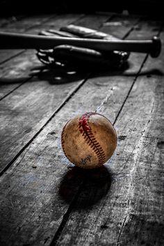 ⭐ black brown . baseball ball . color splash spheres . 201606