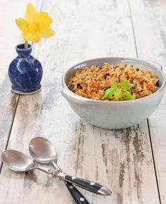 These recipes are so simple to prepare! If you don't have an Instant Pot you can make the rice on the stove-top too, so don't fret. I like making the Stove-top Smoky Red Beans while the Vegan Instant Pot Dirty Rice is cooking. Whole Food Recipes, Diet Recipes, Healthy Recipes, Healthy Food, Cooking Recipes, Instant Pot, Rice On The Stove, Dirty Rice, Pressure Cooker Recipes