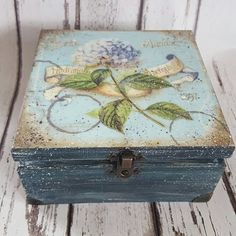 Blue Hydrangea Vintage  Tea Box, wooden Tea caddy, home decor. Wooden tea box, trinket Storage. Rustic style, many other sizes available