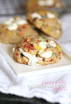Fruity Pebble Marshmallow Cookies ~ So gooey and sweet! Cereal Cookies, Easy No Bake Cookies, Drop Cookies, Cereal Treats, Homemade Cookies, Unique Desserts, Delicious Desserts, Delicious Cookies, Fruity Pebble Cookies