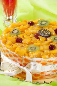A La Mangue Carreau Cake