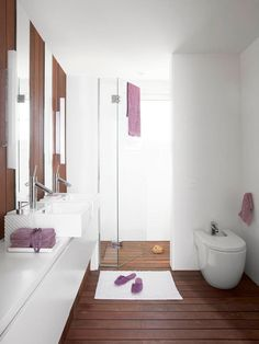 Interior : Mesmerizing white small bathroom design with glass doors small closet and modern small wastafel ideas picture - a part of Beautiful Interior Design with Rich of Women Touches White Interior Design, Beautiful Interior Design, Bad Inspiration, Bathroom Inspiration, Stone Shower Floor, Spanish Interior, Interior Minimalista, House By The Sea, Wooden Bathroom