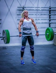 NOTICE STEADY GAINS IN YOUR CROSSFIT. sara sigmundsdottir barbell work crossfit box