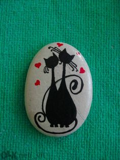 50 Inspiring DIY Painted Rocks Animals Cats for Summer Ideas 42 diy Pebble Painting, Pebble Art, Stone Painting, Diy Painting, Rock Painting, Stone Crafts, Rock Crafts, Arts And Crafts, Painted Rock Animals