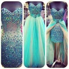 Gorgeous prom dress<3 where was this when I was in school??