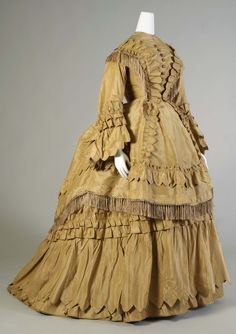 Day dress ca. 1870  From the Kent State University Museum