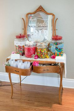 Loving this #vintage candy display {George Street Photo & Video}