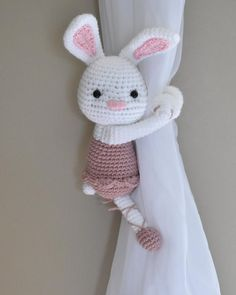 The most healthy amigurumi knitting toy for your child can do it yourself in the cheapest way at home. Crochet Patterns Amigurumi, Crochet Hooks, Magic Ring Crochet, Crochet Rabbit, Crochet Cushions, Curtain Patterns, Single Crochet Stitch, Curtain Tie Backs, Half Double Crochet