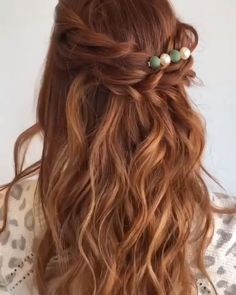 Half Up Hairstyle Tutorial Beautiful 😍 Half Up Wedding Hair, Wedding Hair And Makeup, Hair Ideas For Wedding Guest, Wedding Hair Vine, Half Up Half Down Wedding Hair, Wedding Hair Styles, Diy Bridal Hair, Curly Hair Half Up Half Down, Wedding Updo