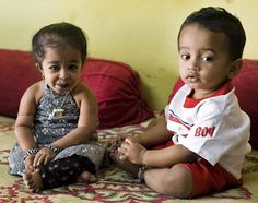 Jyoti Amge at 14 years with her nephew.