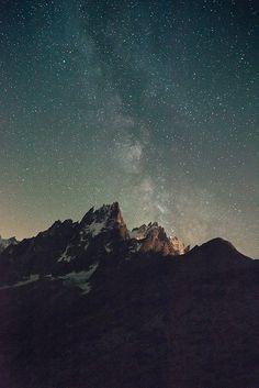 Aiguilles de Chamonix et voie lacté by Gimpz, via Flickr