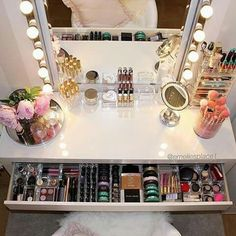 Makeup Room Ideas room DIY (Makeup room decor) Makeup Storage Ideas For Small Space - TAG: Diy Makeup vanity ideas, Diy makeup storage ideas, Makeup organization diy, Makeup desk Makeup Desk, Makeup Rooms, Makeup Vanity Tables, Makeup Vanity With Storage, Makeup Storage Bedroom, Ikea Makeup Storage, Makeup Vanity Lighting, Makeup Vanity Decor, Rangement Makeup