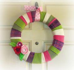 http://mytwobutterflies.blogspot.com/2012/03/spring-wreath-round-up.html