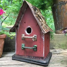 Barn Wood and Tin Birdhouses are bird-approved for lasting use. Handmade Rustic Birdhouse features sealant and easy clean-out, ideal for indoor decor too. Birdhouse Designs, Birdhouse Ideas, Vintage Drawers, Bird House Kits, Decorative Bird Houses, Bird Aviary, Easy Coffee, Kit Homes, Barn Wood